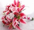 Bouquet di lilium rosso-bianco