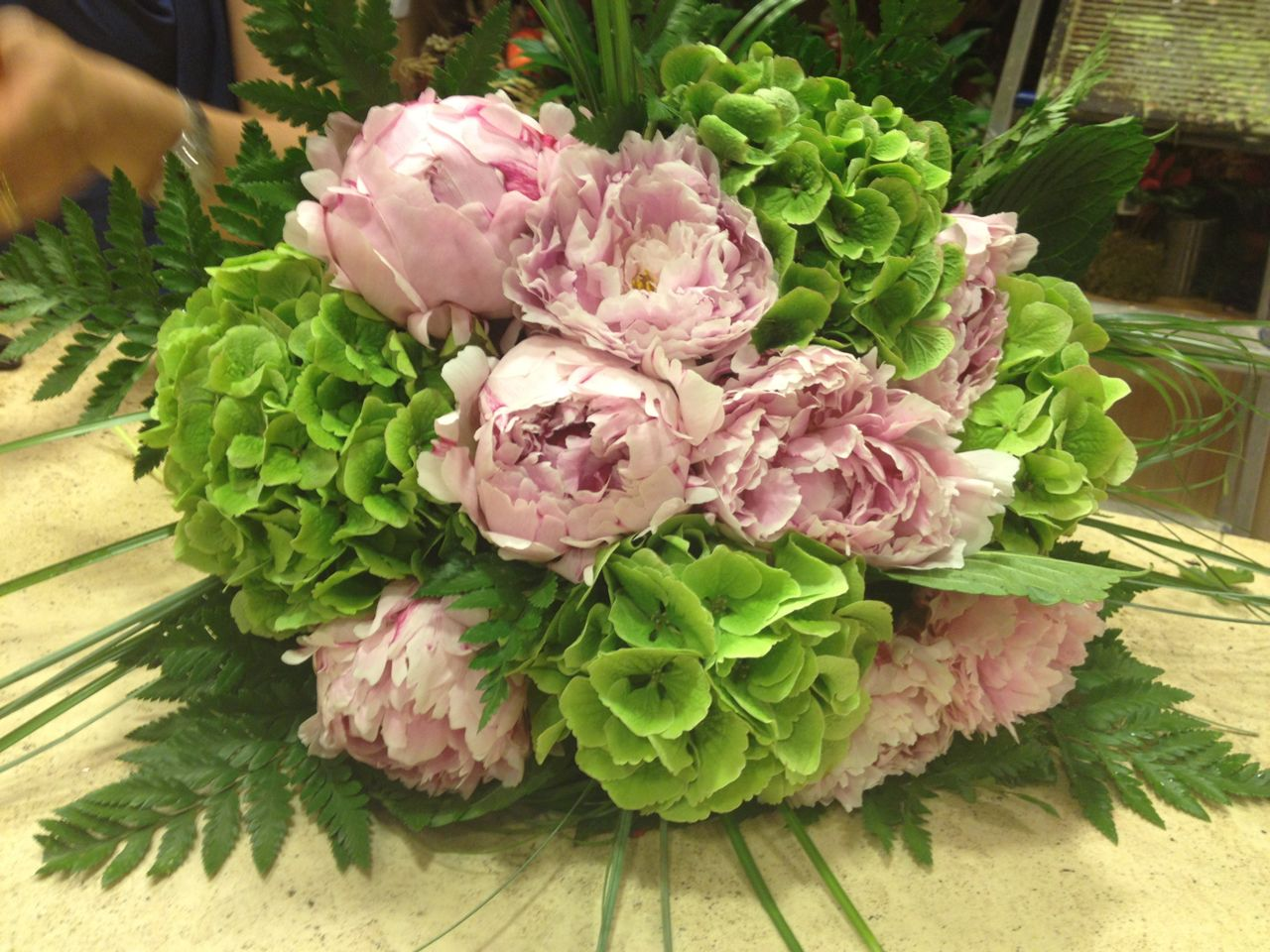 Centrotavola Ortensie E Peonie : Elisabetta fiori e piante bouquet di peonie rosa