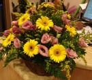 Bouquet gerbere gialle e lisianthus rosa