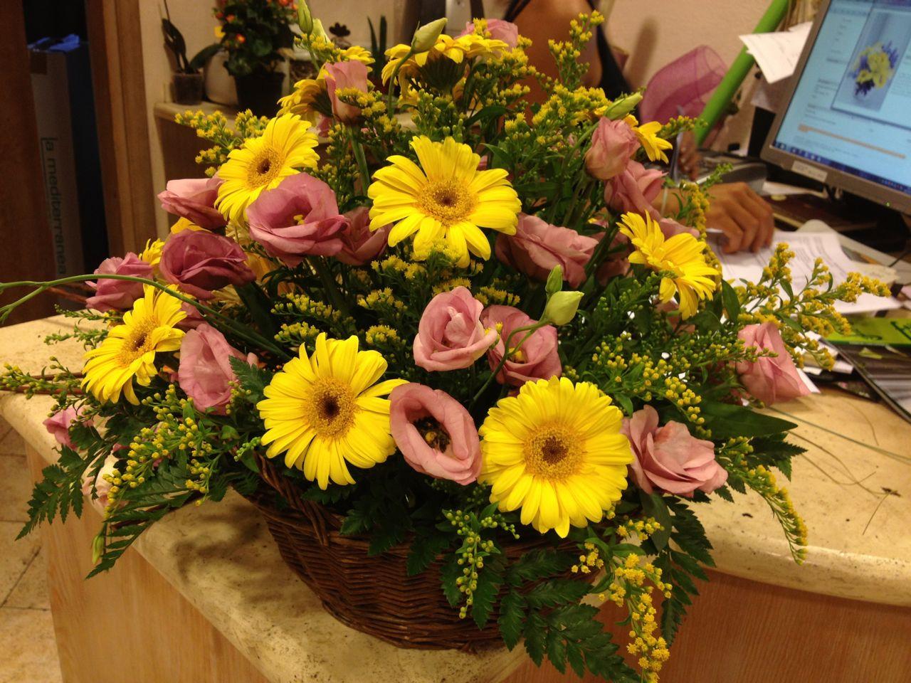 Elisabetta fiori e piante composizione di gerbere gialle for Fiori gerbere