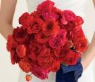 Bouquet di rose rosse e ranuncoli